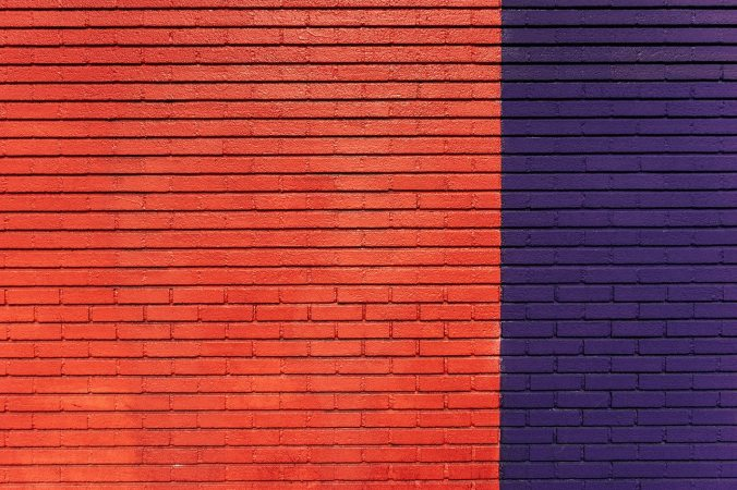 red-blue-bricks-pattern